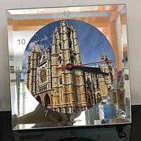 Đồng hồ thủy tinh vuông 20x20 in hình Cathedral - nhà thờ chính tòa (61) . Đồng hồ thủy tinh để bàn trang trí đẹp chủ đề tôn giáo