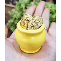 Chum vàng may mắn MÀU VÀNG (gồm 1 chum + túi 50 xu vàng + 10 hạt gốm mèo may mắn)