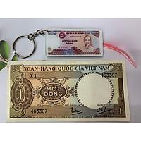 Tờ tiền cổ 1 đồng lái máy cày sưu tầm - kèm móc khóa hình tiền xưa