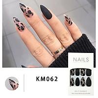 Bộ 24 móng tay giả đẹp (KM062) tặng kèm thun lò xo cột tóc màu đen tiện lợi