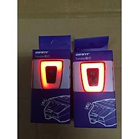 Đèn hậu xe đạp GIANT TWINKLE có thể gắn mũ bảo hiểm GIANT WT082 và GIANT WT059
