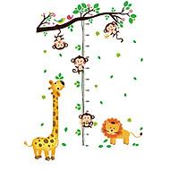 Decal dán tường thước đo hươu vàng và khỉ - HP34