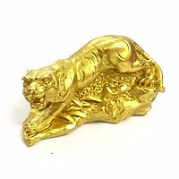 Tượng con Cọp vàng, chất liệu nhựa được phủ lớp màu vàng óng bắt mắt, dùng trưng bày trong nhà, những nơi phong thủy, cầu mong may mắn, tài lộc - TMT Collection - SP005231