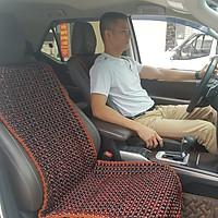 Đệm hạt gỗ tựa lưng massage ghế ô tô, kiêm dải lót hàng ghế sau làm từ 100% gỗ Cẩm Lai tự nhiên, dạng đan kết viền mép cao cấp kích thước 1,29m x 0,48m