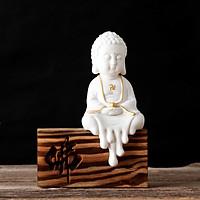Tượng Phật Ông gốm trắng sà chân kèm đế gỗ