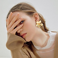 1 Pairs Of Earrings Alloy Retro Style Simple Golden Metal Flower-shape Earrings