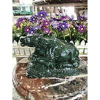 Tượng con trâu giáp ngồi trên tiền vàng phong thủy đá ngọc Ấn Độ trang trí, đặt bàn làm việc - Dài 20 cm