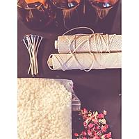 Bộ dụng cụ tự tạo nến DIY - Nến thơm sáp ong với hoa hồng và hoa cúc 150ml