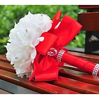Bó hoa cưới Hàn Quốc tay cầm màu Đỏ phối Bông Trắng
