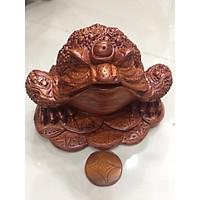 Cóc ngầm đồng tiền , gỗ hương, kích thước cao 11cm x ngang 16 x sâu 16cm, thích hợp để trang thần tài, hút tài lộc cho gia chủ