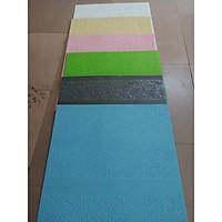 Bộ 20 tấm xốp dán tường 3D hoa văn cổ điển - 70 x 70 cm màu xám  ( tặng kèm 1 khăn tăm to màu ngẫu nhiên )