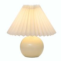 Đèn ngủ để bàn Vdecor phong cách Vintage đế tròn chao vải xếp, sang trọng tạo điểm nhấn cho căn phòng