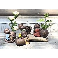 Tượng chú tiểu trồng cây Tài Lộc May Mắn