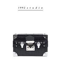 Túi xách nam nữ 1992 s t u d i o/ CRIS BAG/ màu đen phom hộp cá tính