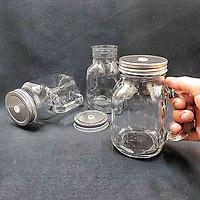 ly thủy tinh có quai nắp đậy 600ml (1 ly) – ca đựng nước thuỷ tinh nắp thiếc có lỗ cắm ống hút – đựng nước ép, trà sữa, cafe, sữa tươi độc đáo