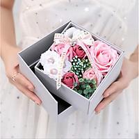 Hộp hoa hồng sáp kết hợp trưng bày, đựng đồ trang sức 2 tầng Nhà của Mẹ kích thước 13x13x12cm - màu sắc giao ngẫu nhiên
