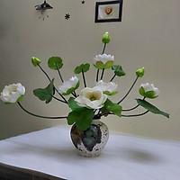 Hoa lụa, Hoa sen cao cấp kèm bình sứ tang trí phòng khách, văn phòng, cửa hàng, quán cà phê