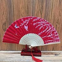 Quạt cổ trang đỏ điệp cận vải lụa in hoa quà tặng xinh xắn tặng ảnh Vcone
