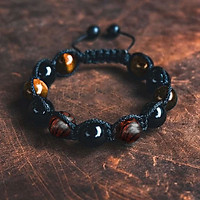 Vòng tay phong thủy thời trang handmade đá mắt hổ nâu vàng kết hợp đá đen và gỗ sưa đỏ dây đan shamballa phật giáo