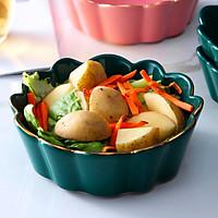 Tô salad hoa cúc xanh viền vàng