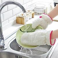 Gang tay rửa bát không thấm nước rất tiện lợi