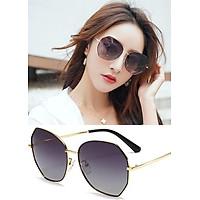 Kính mát nữ K05 Kiểu dáng thanh lịch cùng thiết kế phối màu trẻ trung , bảo vệ mắt khỏi ánh sáng trực tiếp chống tia UV