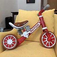 Xe chòi chân thăng bằng cho bé có bàn đạp