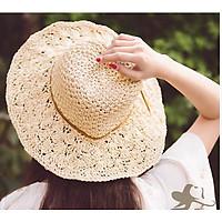 mũ cói móc đi biển tạo kiểu thời trang