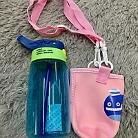 Bình nước học sinh có túi xách