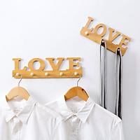 Móc Gỗ Treo Đồ Dích Tường Chắc Chắn Với Thiết Kế Mới Hình Chữ LOVE