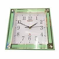 Đồng hồ treo tường Vuông P130 (30cm)- màu ngẫu nhiên