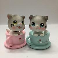 Bộ 2 chú mèo dễ thương lắc đầu