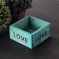 Khay gỗ vuông chữ LOVE để đồ, trồng cây trang trí
