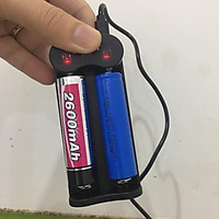 Bộ sạc pin 18650 3.7V 2 khe Sạc bằng dây cáp USB thông dụng