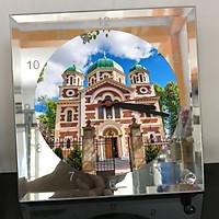 Đồng hồ thủy tinh vuông 20x20 in hình Church - nhà thờ (249) . Đồng hồ thủy tinh để bàn trang trí đẹp chủ đề tôn giáo