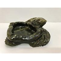 Gạt tàn thuốc lá bằng đá tự nhiên ngọc serpentine hoa văn tạc hình cá chép đá ngọc 18cm nặng 3kg GATAN.001