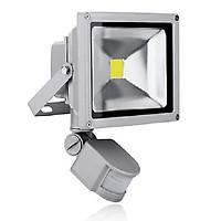 Bộ 2 đèn pha cảm ứng chuyển động 10W