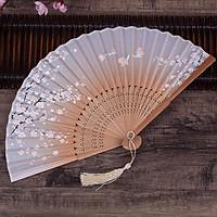 Quạt gỗ điệp viễn vàng phong cách cổ trang quạt cầm tay cosplay tặng thẻ Vcone