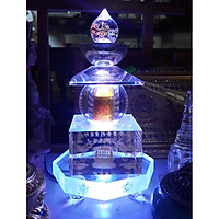 Tháp xá lợi trắng có đèn led bát giác biểu tượng cát tường