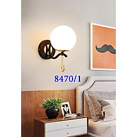 Đèn tường trang trí cầu thang, phòng khách, đèn tường trang trí phòng ngủ thân đen chao thủy tinh cao cấp TG8470
