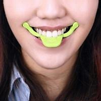 Dụng cụ tạo nụ cười tươi - Smile maker (Màu xanh lá)
