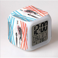 Đồng hồ báo thức để bàn in hình Chiến Trận Người Máy Darling in the FranXX đèn LED đổi màu anime chibi tiện lợi xinh xắn