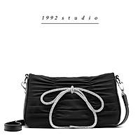 Túi xách nữ/ 1992 s t u d i o/ SABI BAG/ túi nơ màu đen đeo chéo xinh xắn