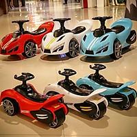 Xe lắc ô tô Xe chòi Ô tô Xe 3 bánh ô tô Có nhạc cho bé Oto chòi chân cho bé xe chòi chân xe thăng bằng