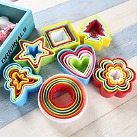 Set 5 khuôn nhựa tạo hình dễ thương dùng cho trang trí bánh kẹo tiện dụng