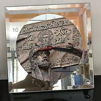 Đồng hồ thủy tinh vuông 20x20 in hình Cathedral Of Christ the saviour (33) . Đồng hồ thủy tinh để bàn trang trí đẹp chủ đề tôn giáo