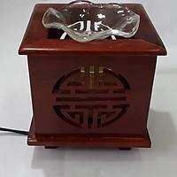 Đèn xông tinh dầu gỗ Hình vuông Chữ Thọ -gỗ hương- Tặng kèm 1 bóng đèn