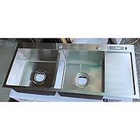 Chậu rửa chén bát hai hôc một bàn có cài dao rất tiện lợi hàng dày inox 304 MỜ cao cấp chính hãng.
