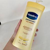 Sữa dưỡng thể Vaseline Intensive Care Essential Healing Lotion 725ml Vàng