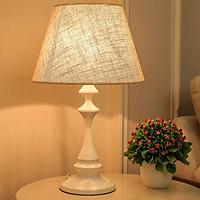 Đèn Ngủ Để Bàn DN-300 - Đèn Trang Trí Phòng Ngủ Kiểu Dáng Cổ Điển - Mang Lại Không Gian Sang Trọng, Ấm Áp Cho Phòng Ngủ - Chất Liệu Cao Cấp, An Toàn - 2 Màu Đen Và Trắng